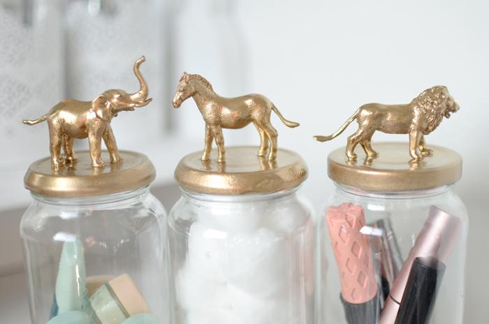 SPRAY-JAR-GOLD-ANIMALS-DIY.4