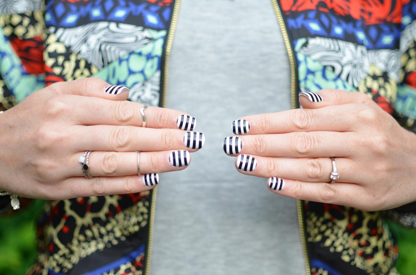 primark-striped-nails