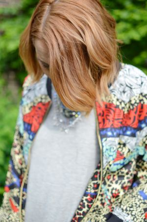 LOOK-AGAIN-BOMBER-JACKET