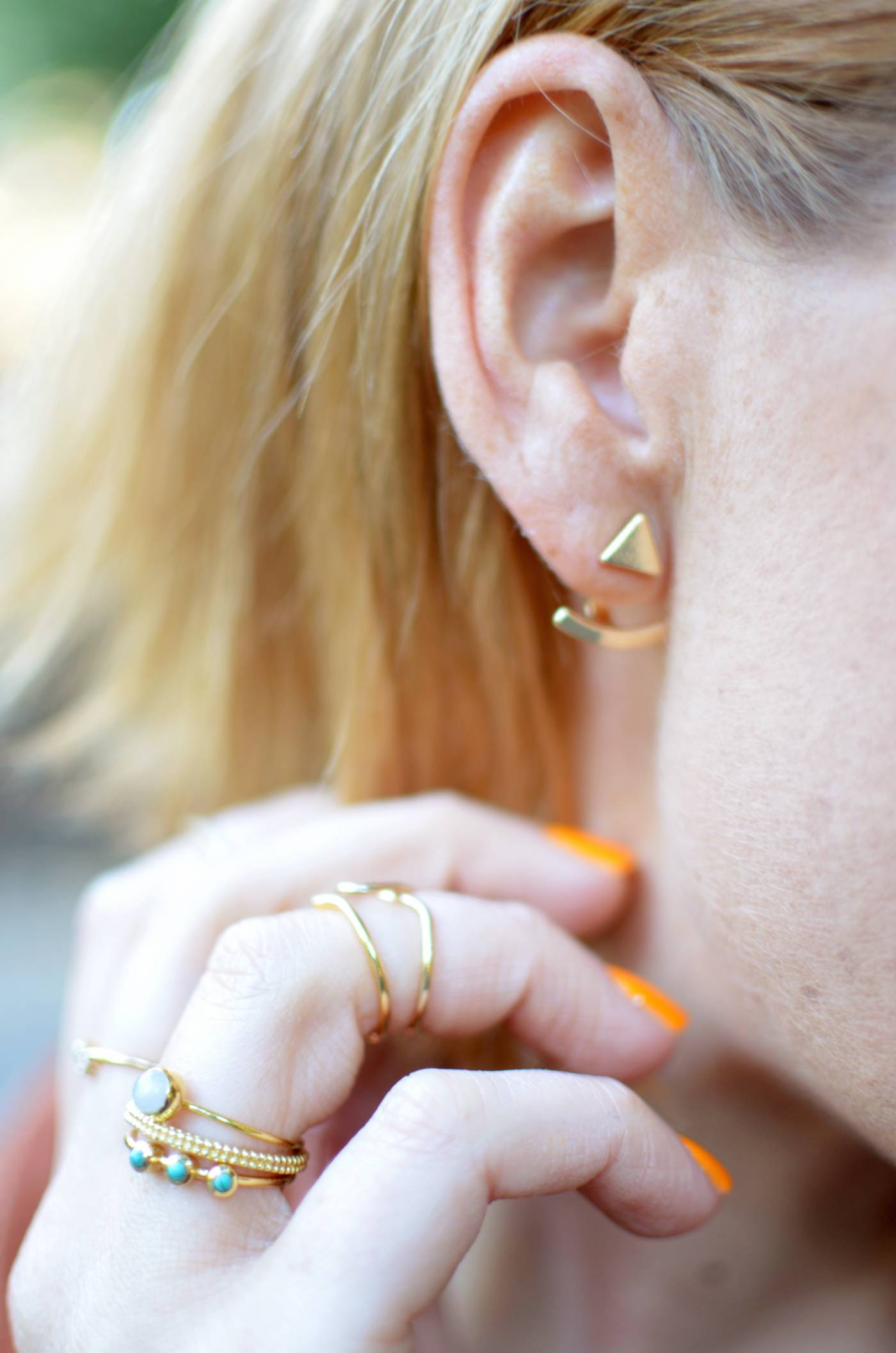 GOLD-EAR-JACKET