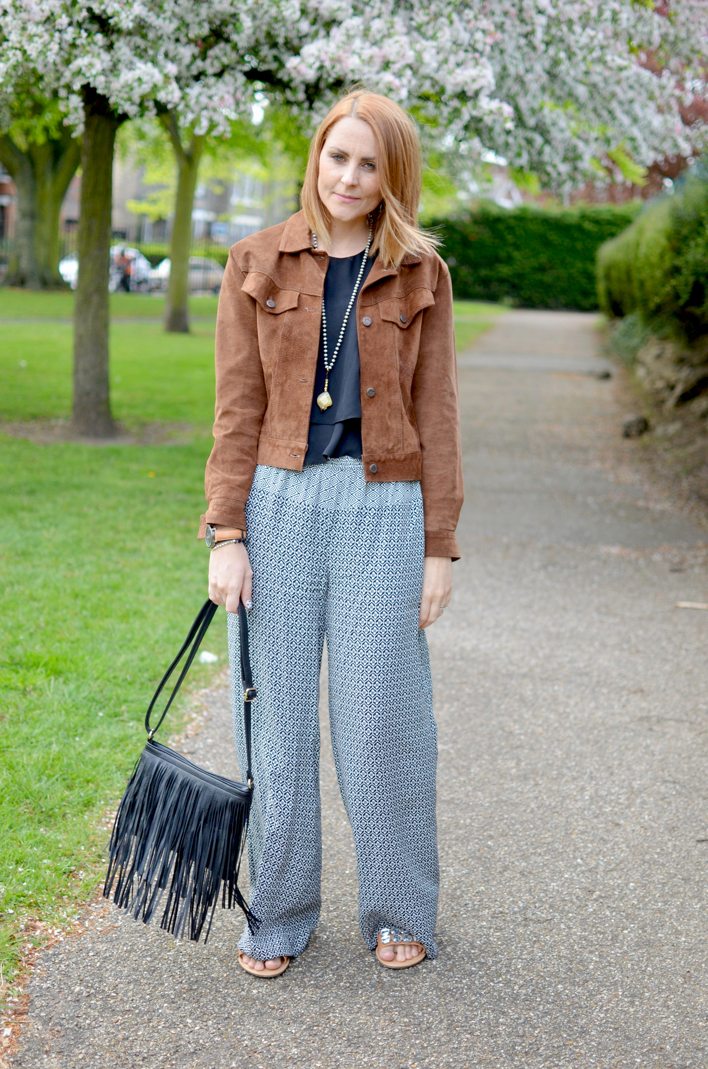 SUEDE-JACKET-OUTFIT