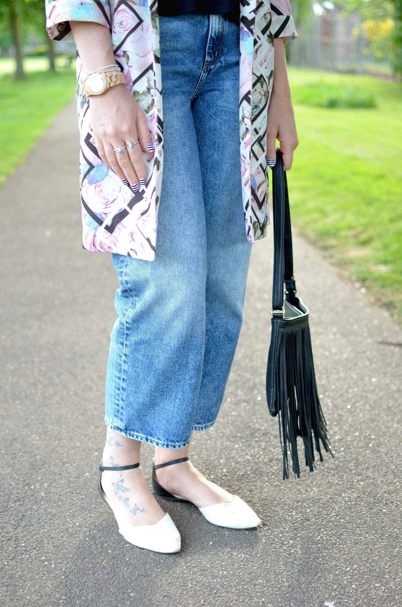 monki-girlfriend-jeans