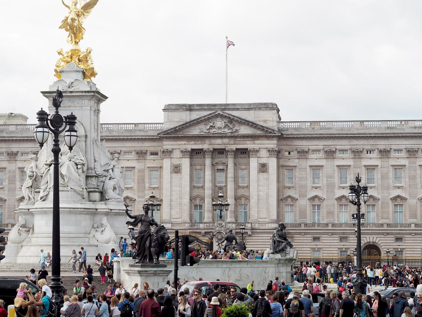 buckingham-palace-things-to-do-in-london