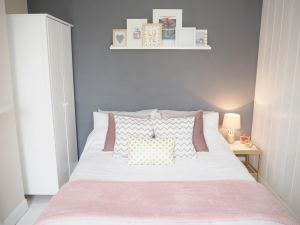 GREY PINK BEDROOM