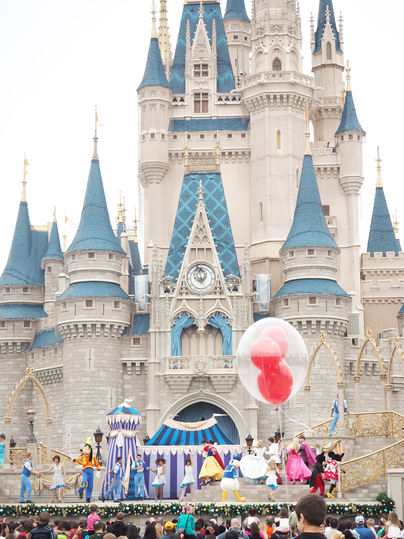 walt disney world CINDERELLAS-CASTLE-ORLANDO