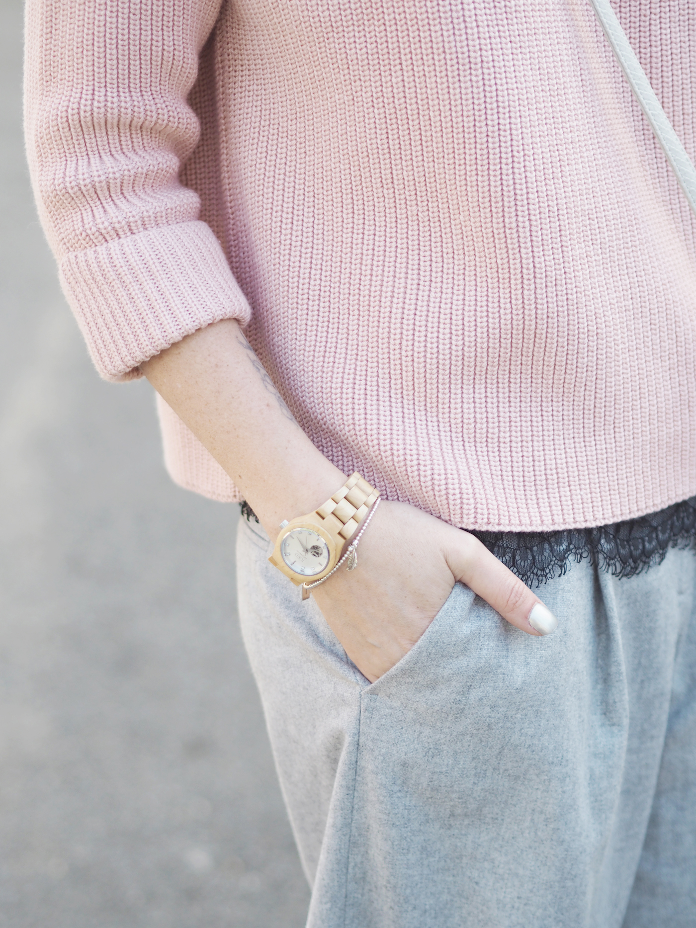 pink-and-grey-outfit