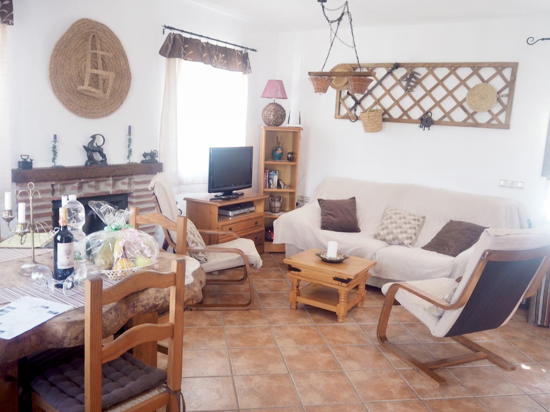 CORTIJO JAINE FRIGILIANA living area