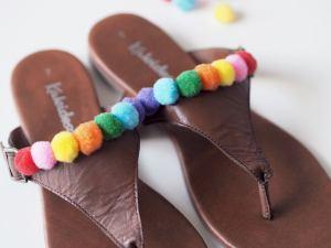 pom pom sandals diy