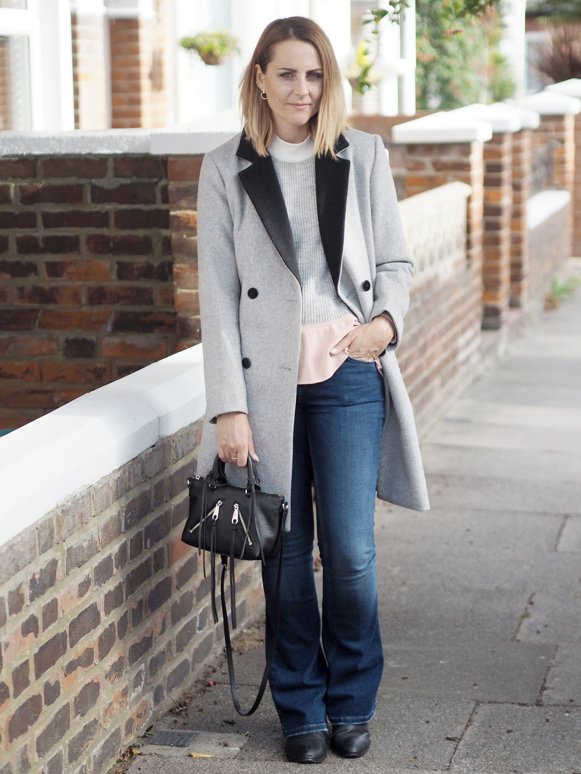 casual outfit grey coat and black bag