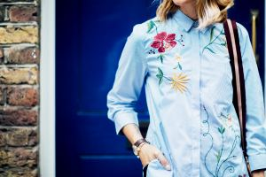 zara embroidered shirt outfit