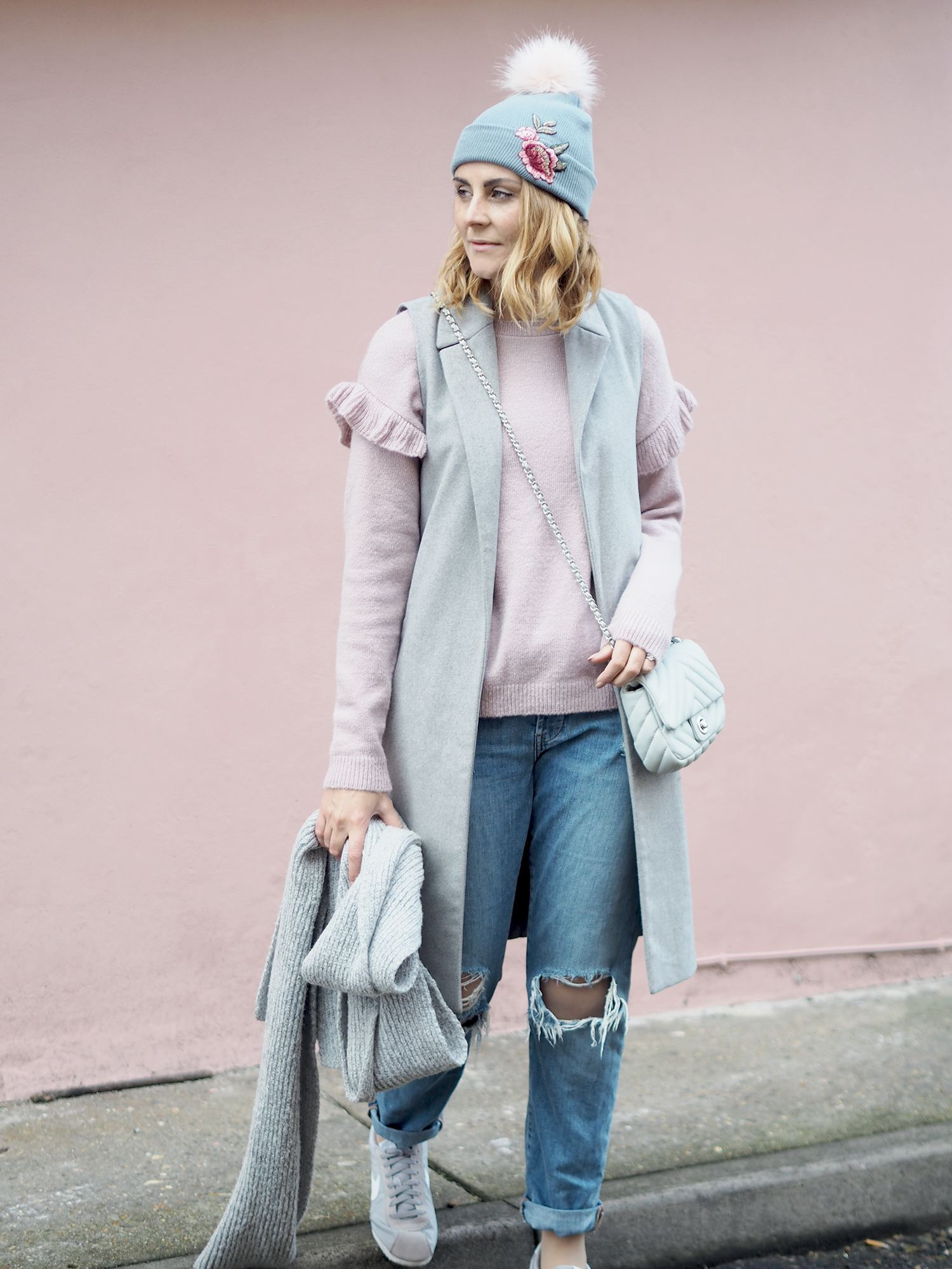 pink jumper outfit