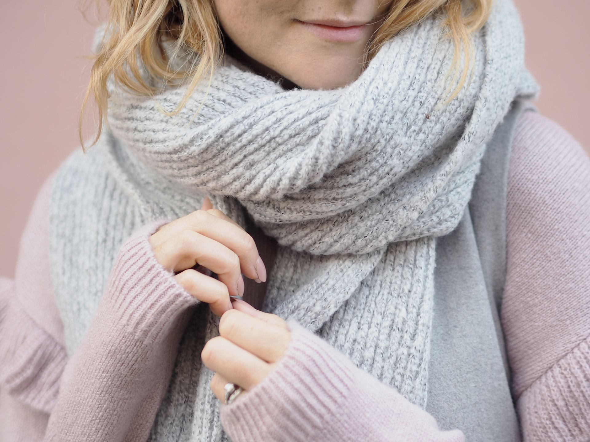 chunky kitted scarf grey