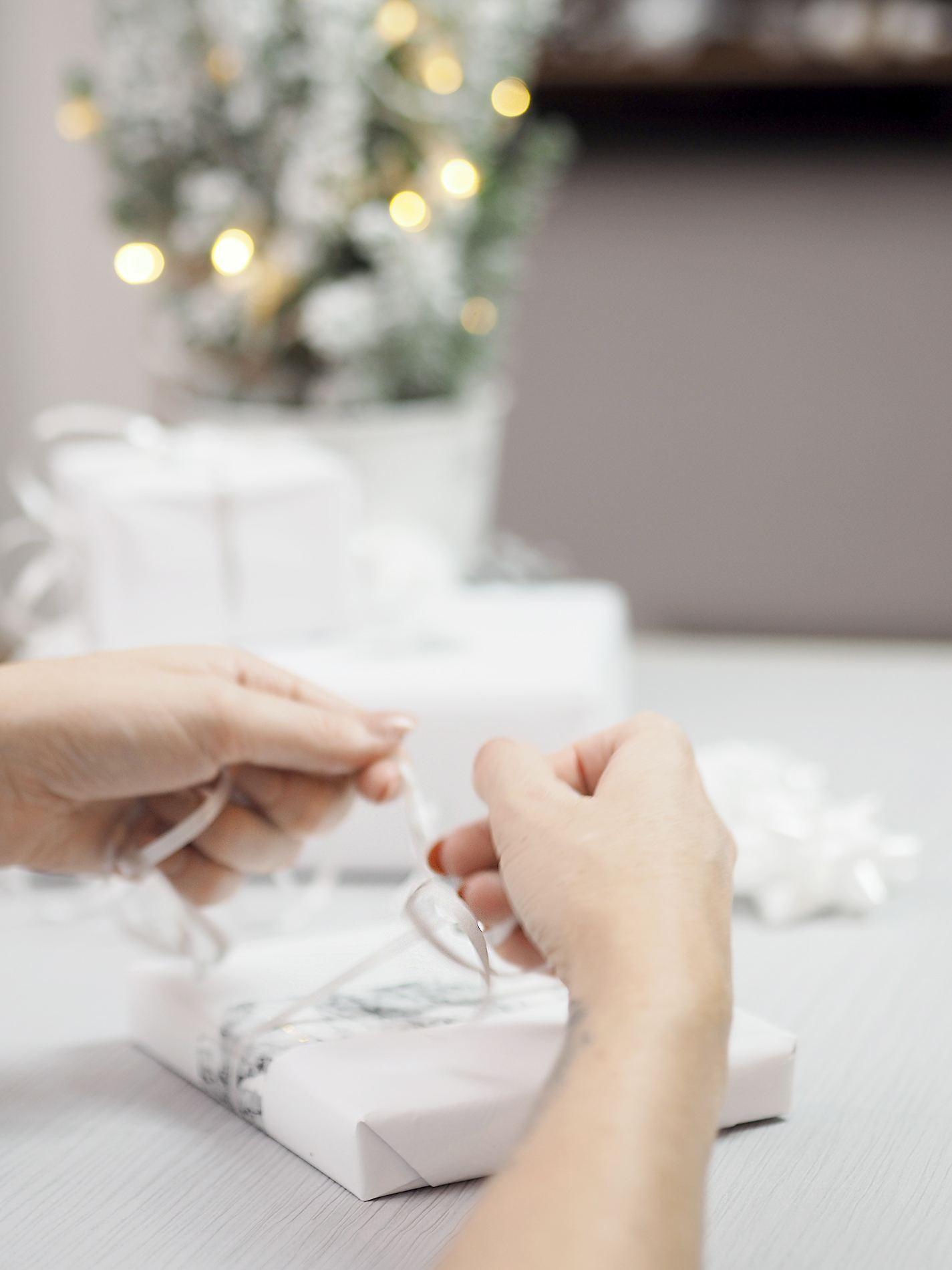 unique ways to wrap presents