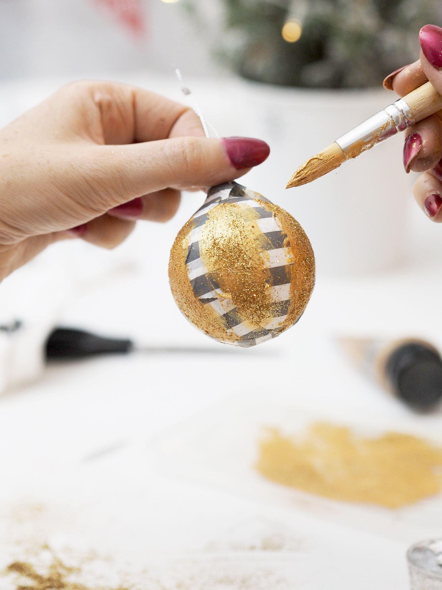 gold glitter bauble diy
