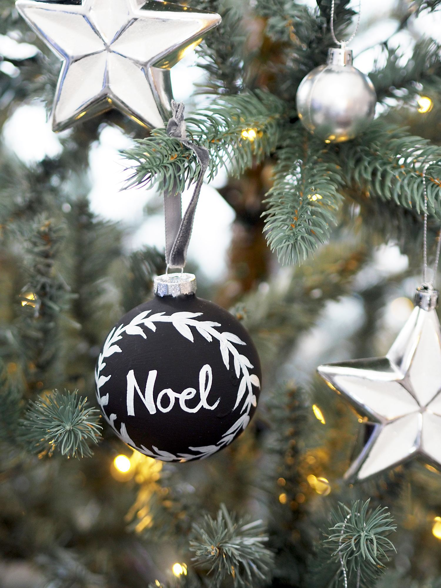 chalkboard bauble diy