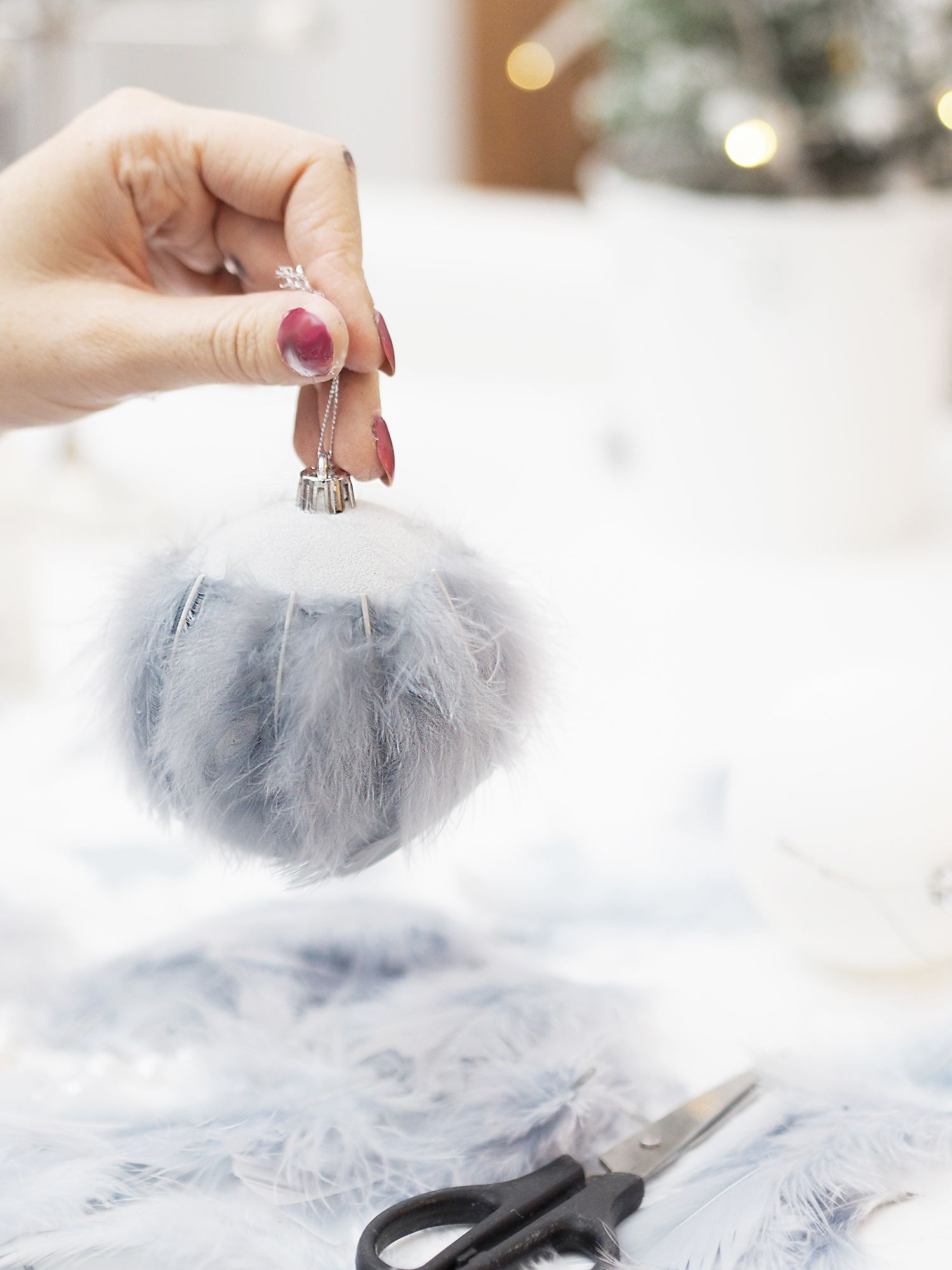 feather bauble diy