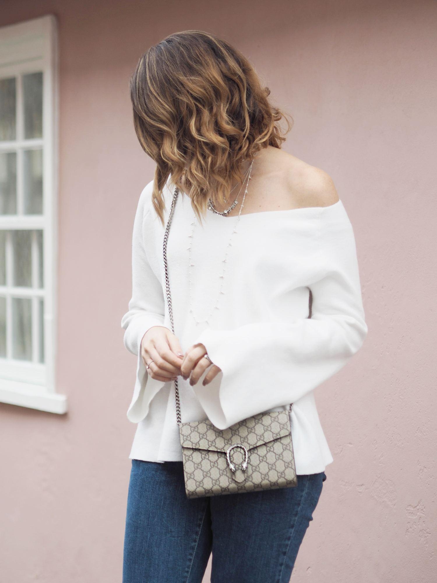 81e2d1282235c Gucci GG Supreme shoulder bag