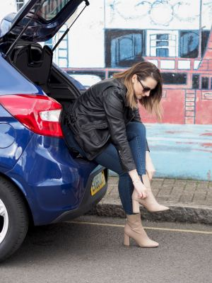 ford KA PLUS BLUE interior boot size