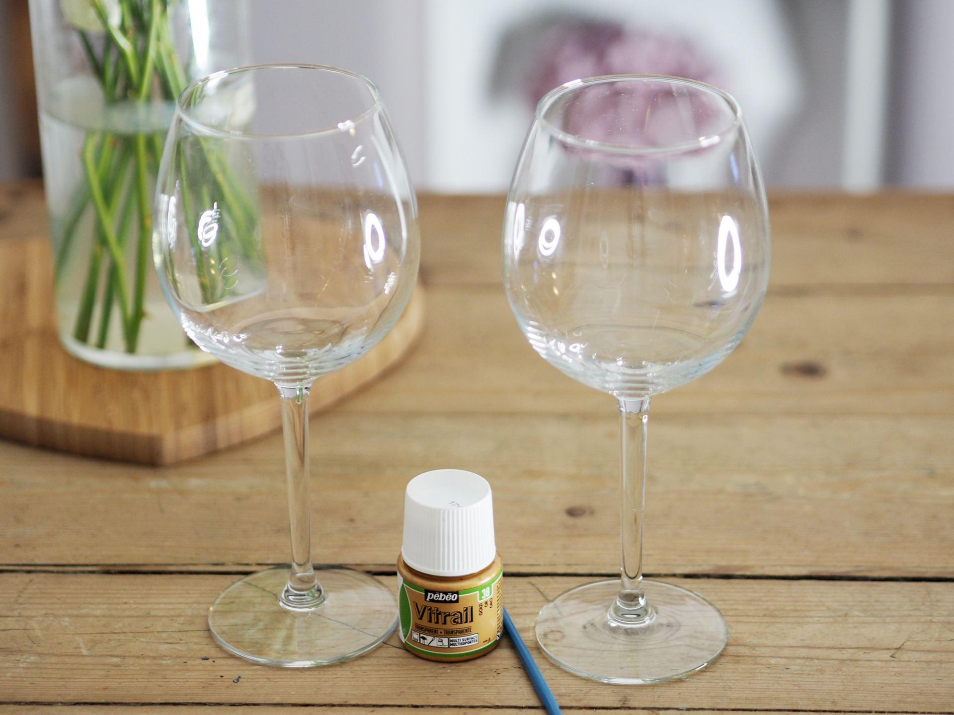 easy diy gold dot wine glasses