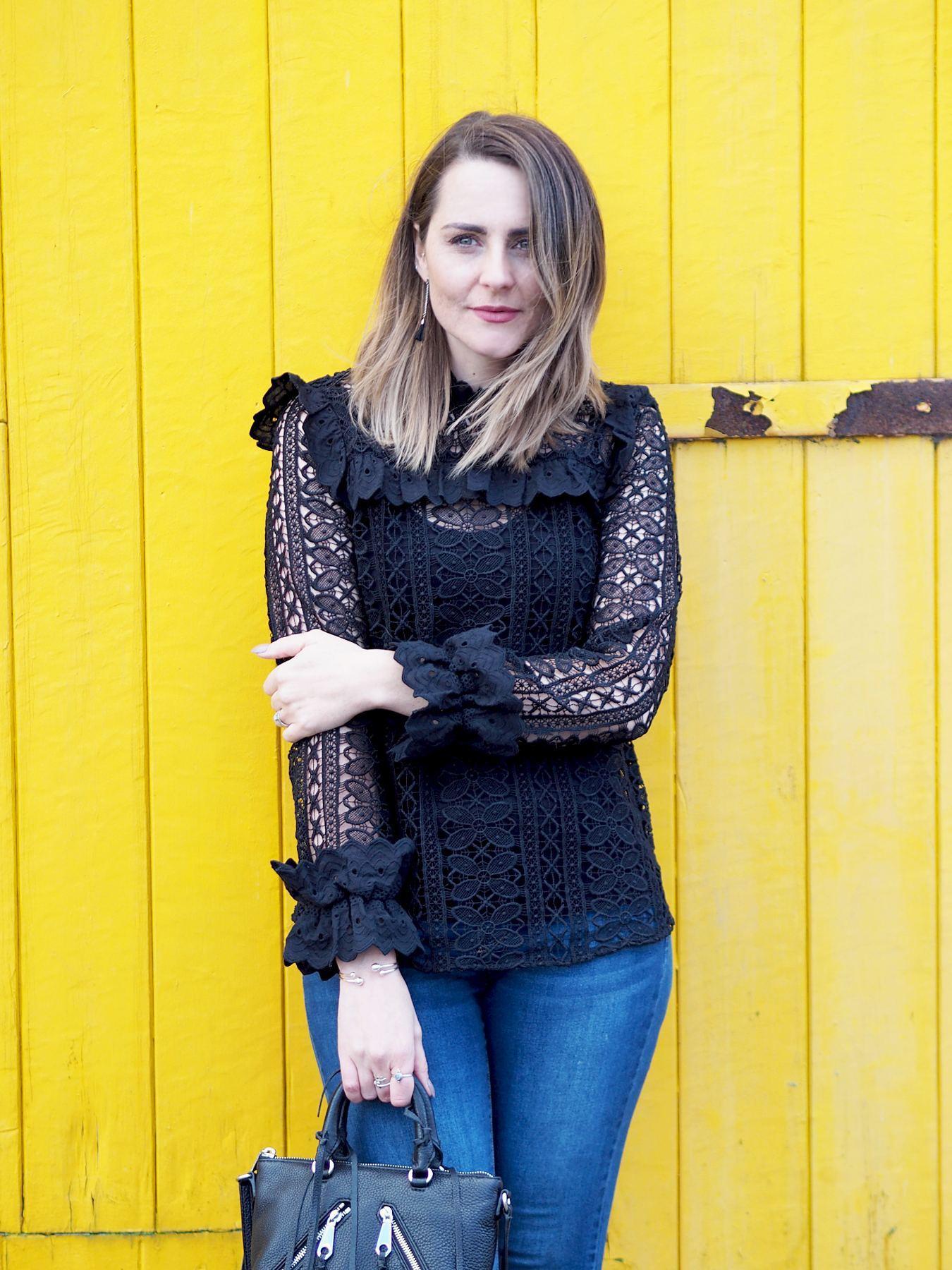 نتيجة بحث الصور عن monsoon black lace blouse