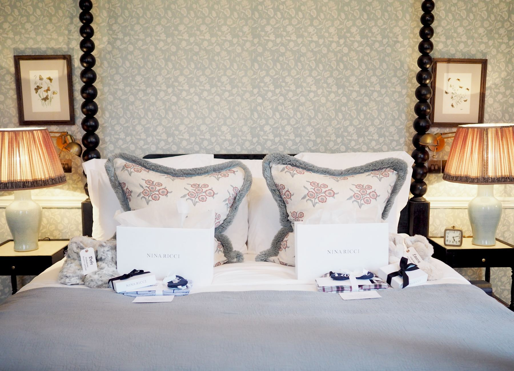 babbington house hotel room four poster bed