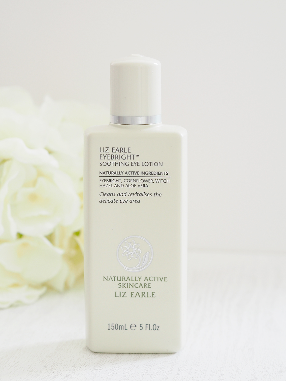 liz earle eye bright lotion