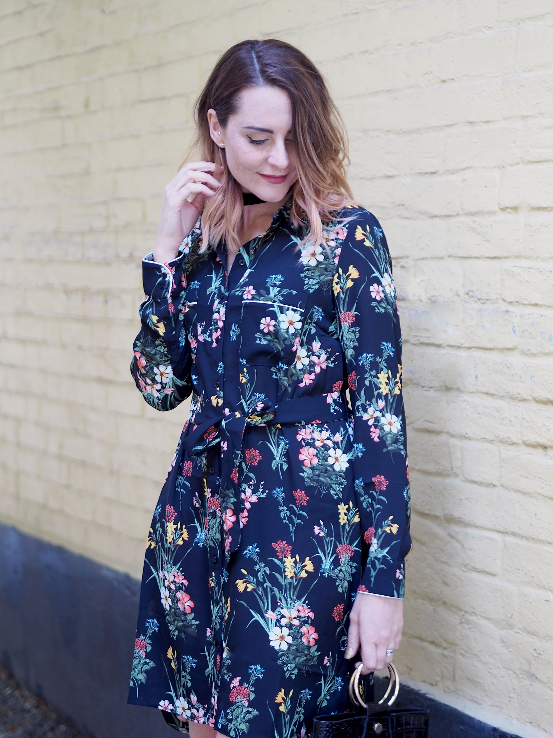 date night outfit oasis floral shirt dress
