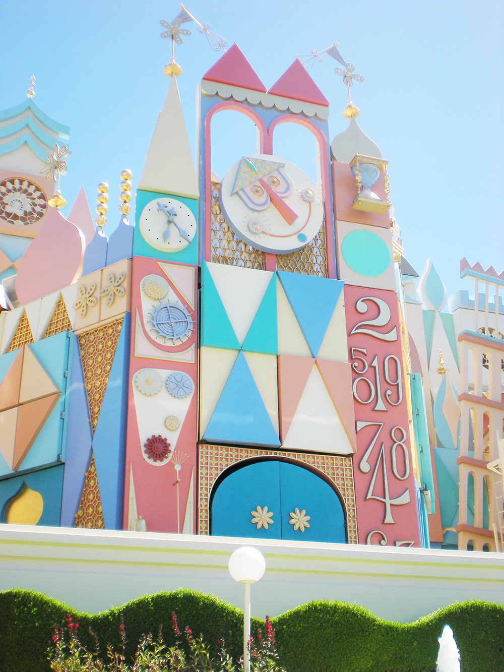 Things to do in Tokyo tokyo disneyland its a small world