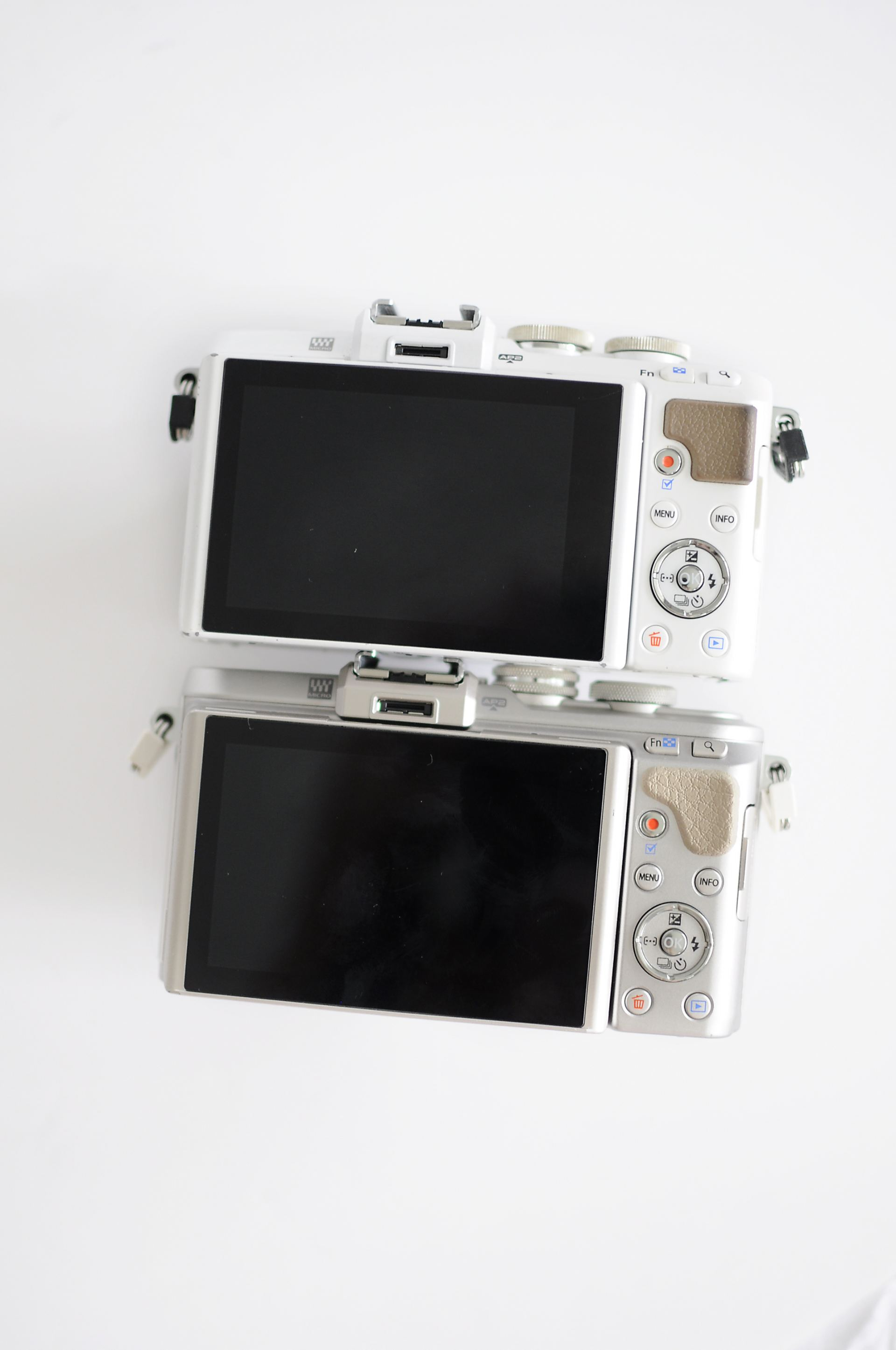 olympus pen epl7 vs epl8 camera review