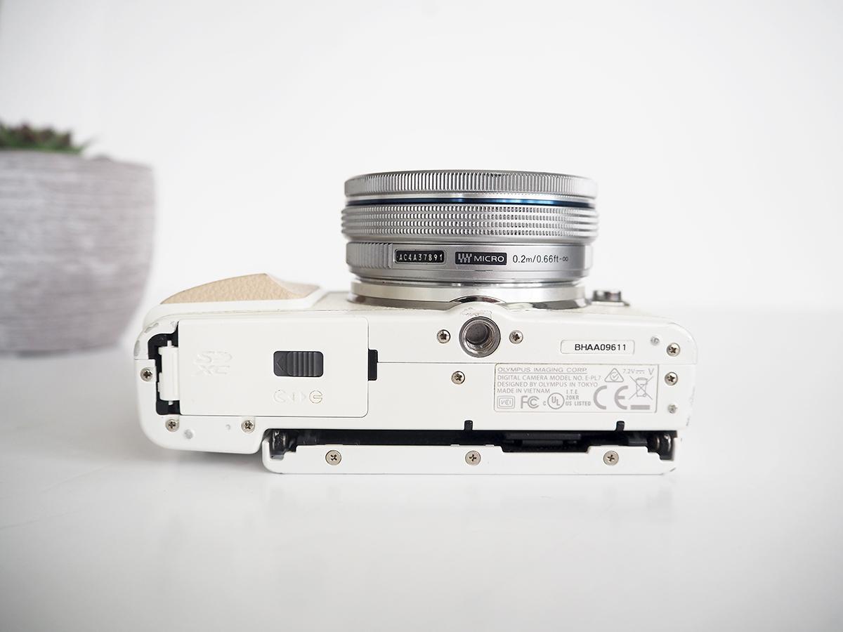 olympus pen epl7 camera design