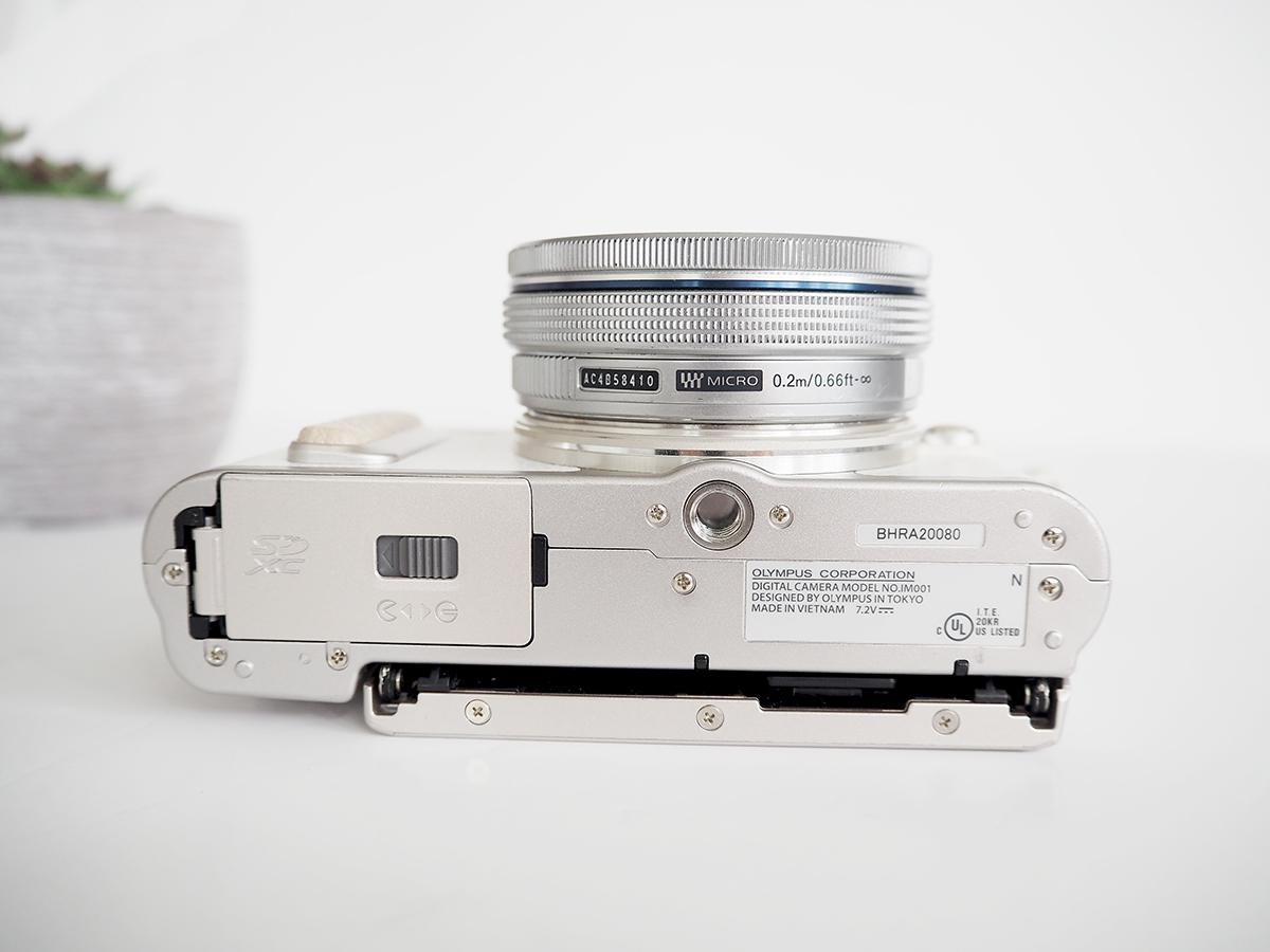 olympus pen epl8 camera design