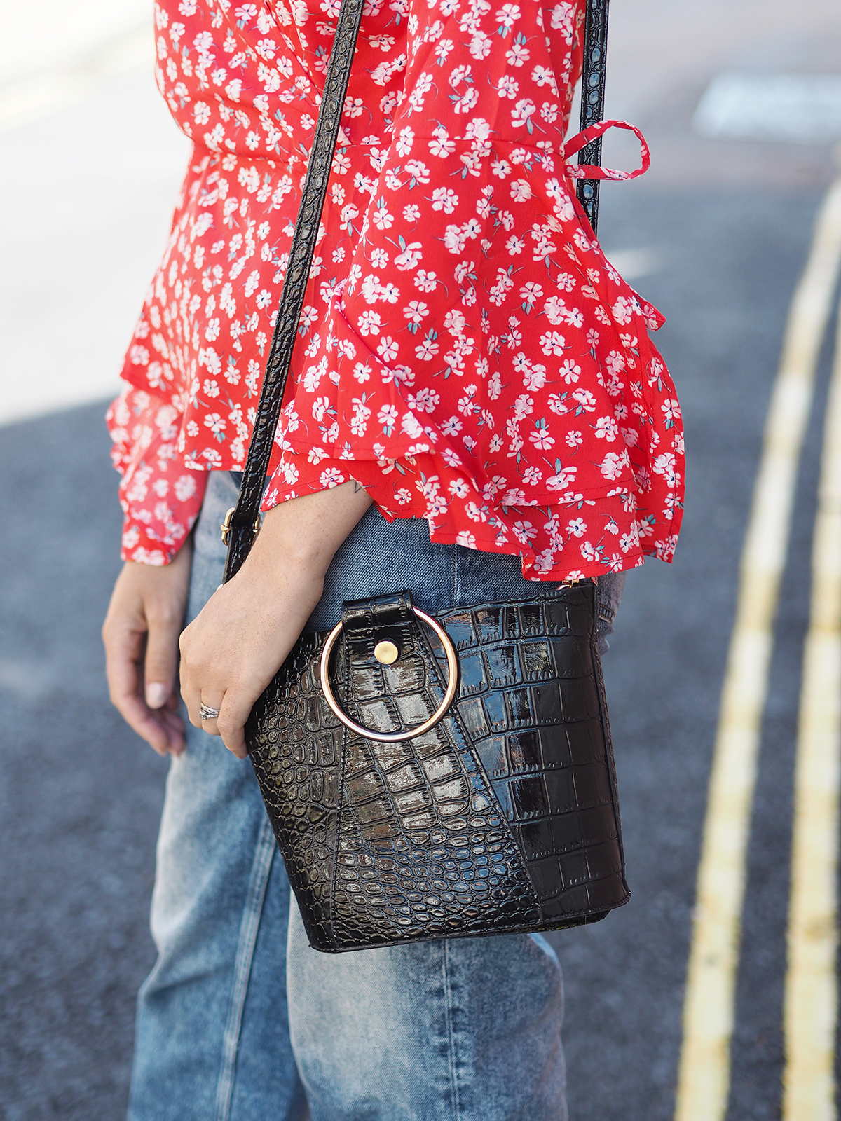 ring bucket bag black