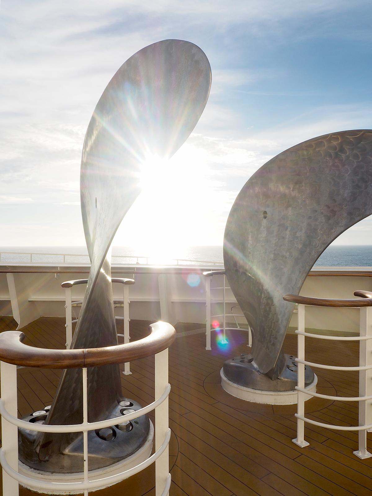 on deck cunard queen mary 2