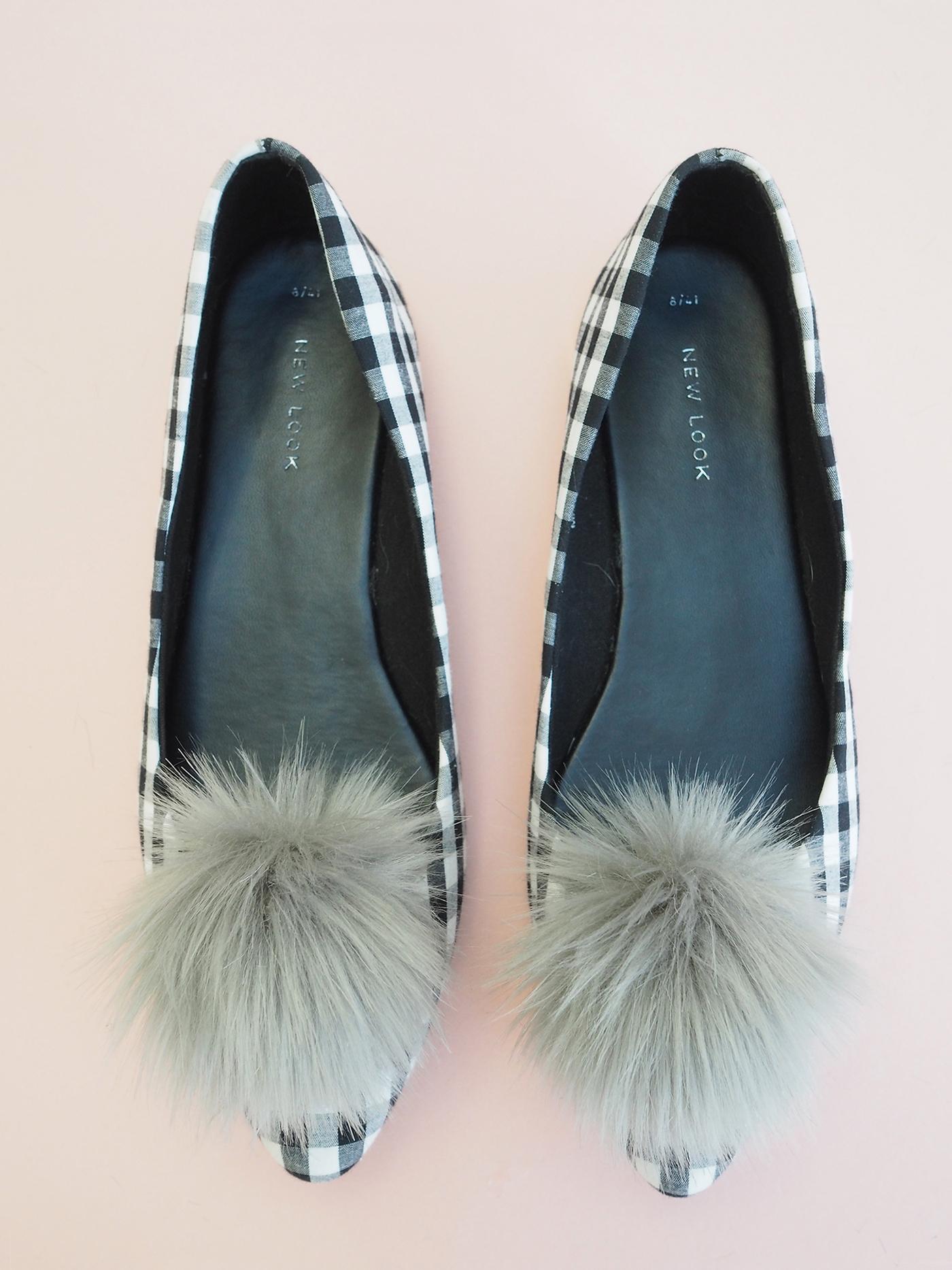 grey pom pom shoe clips