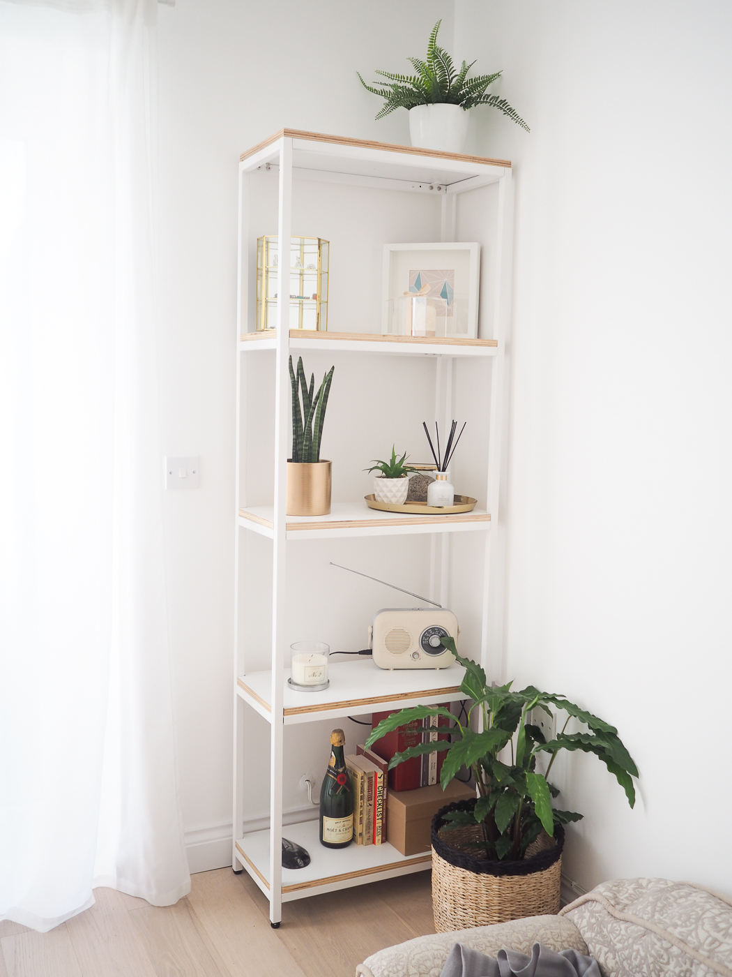 White wood shelves La Redoute