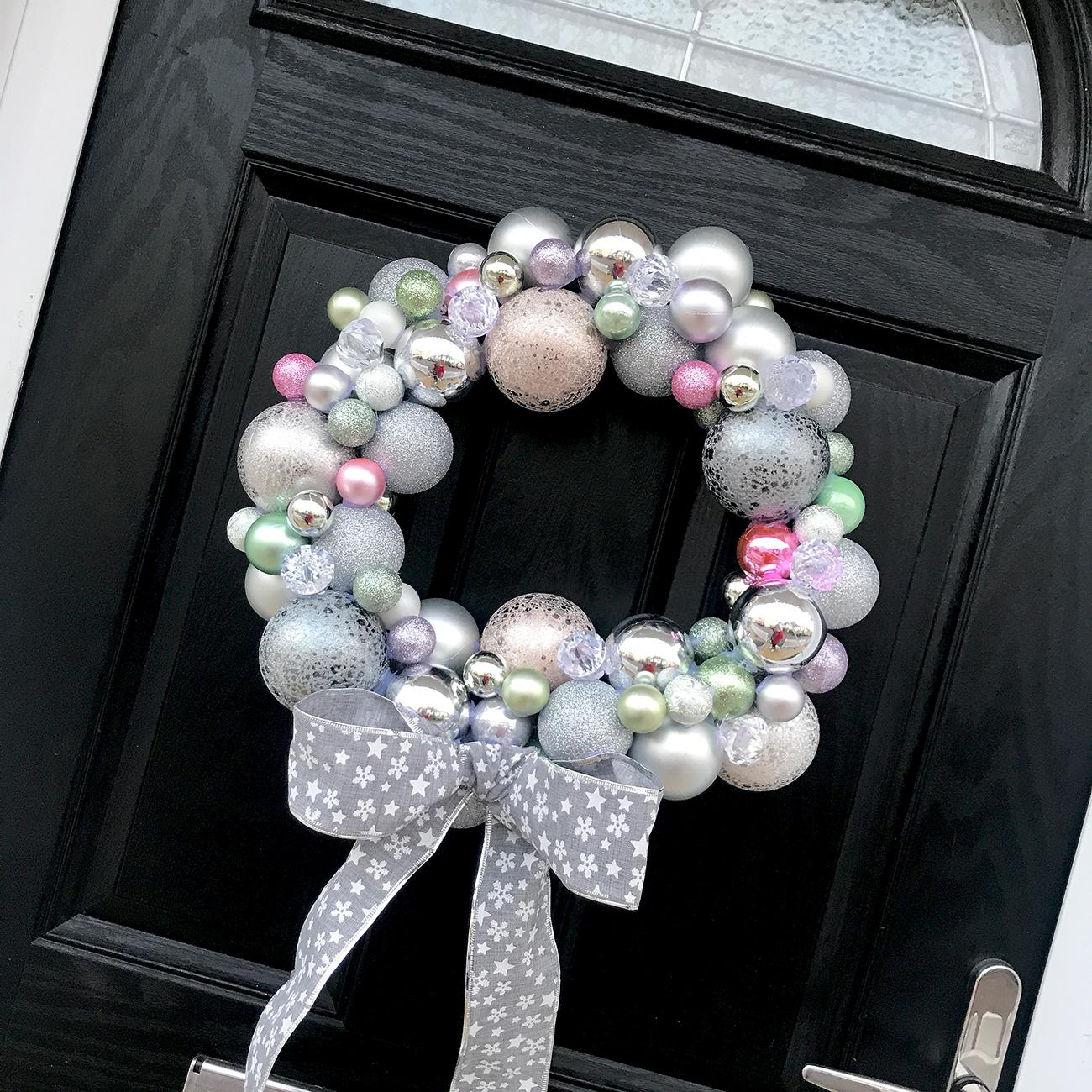 diy christmas bauble wreath tutorial