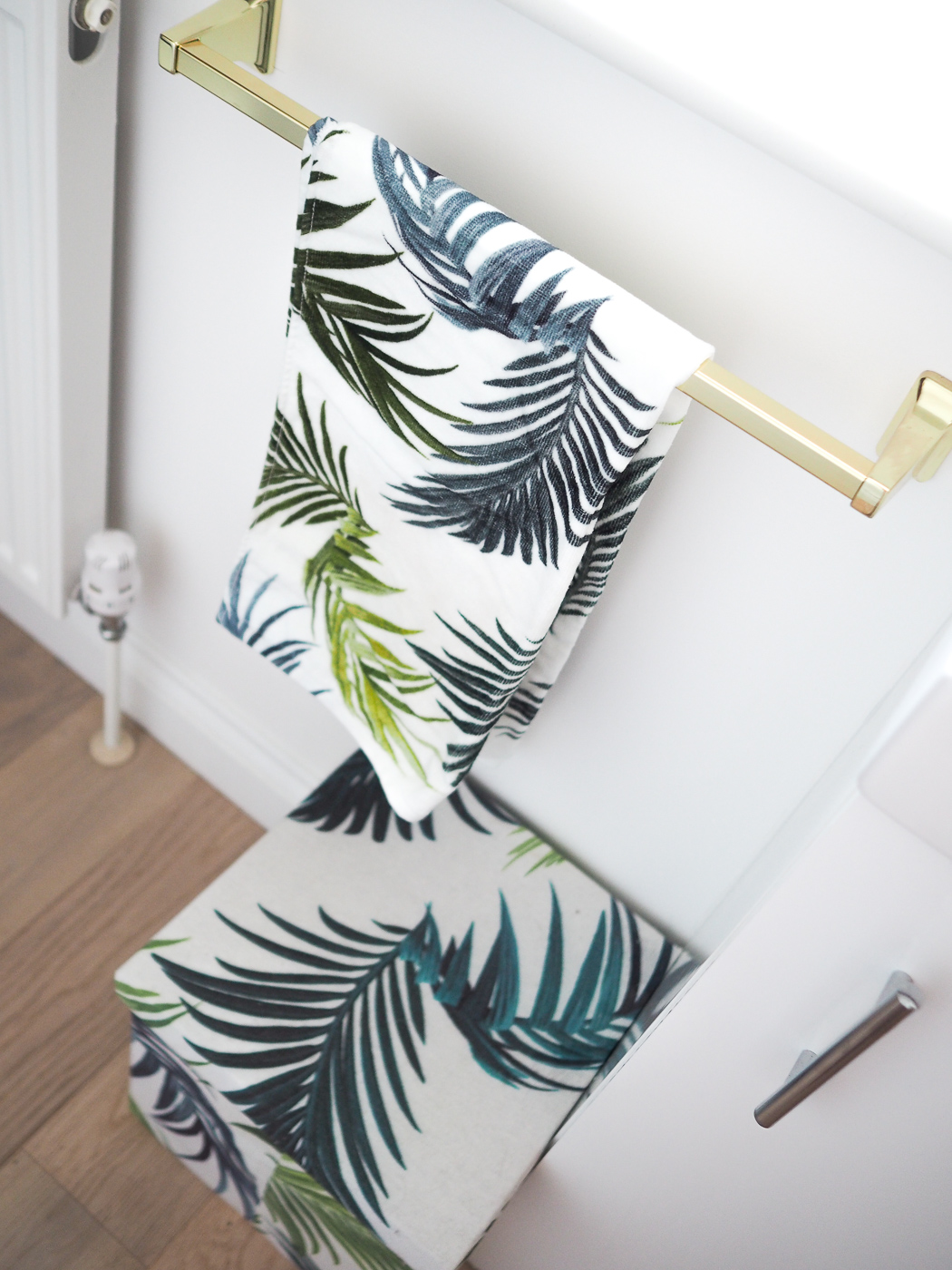 palm print towels