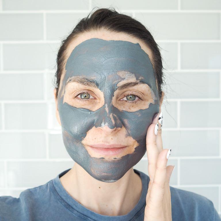 ALDI Lacura charcoal mud mask glam glow dupe
