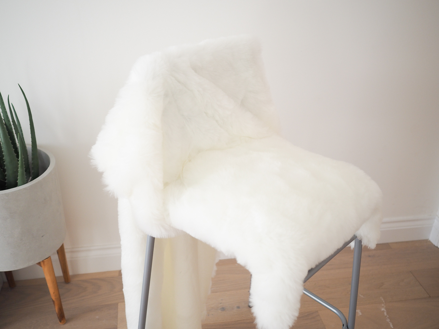 diy faux fur bar stool ikea hack