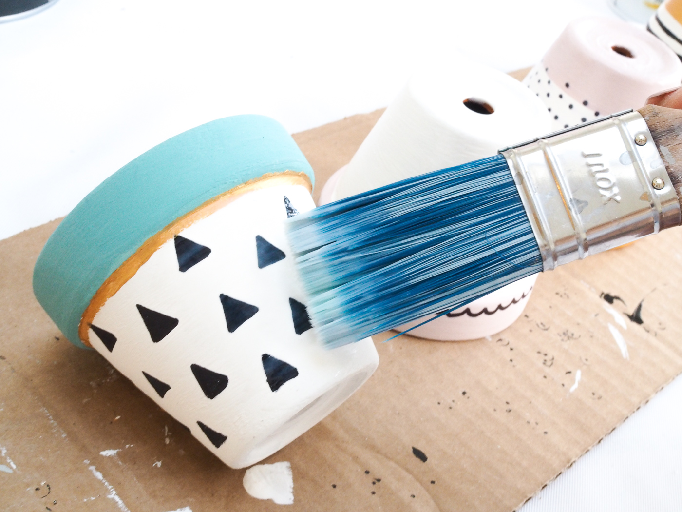 painted plant pot diy tutorial