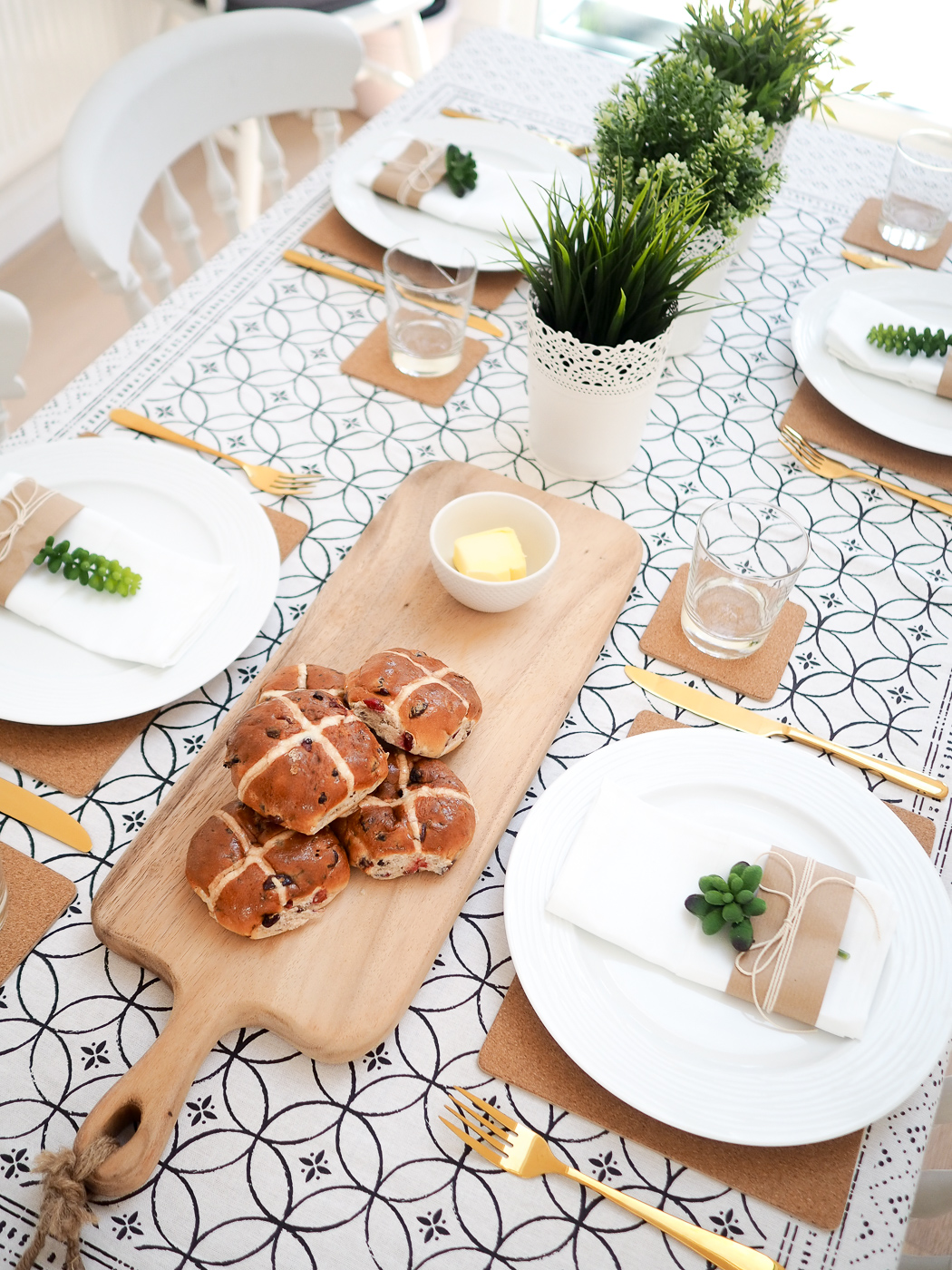 green and rustic table settings