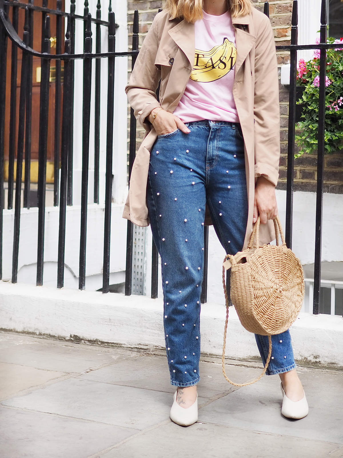 Bershka tee and jeans outfit