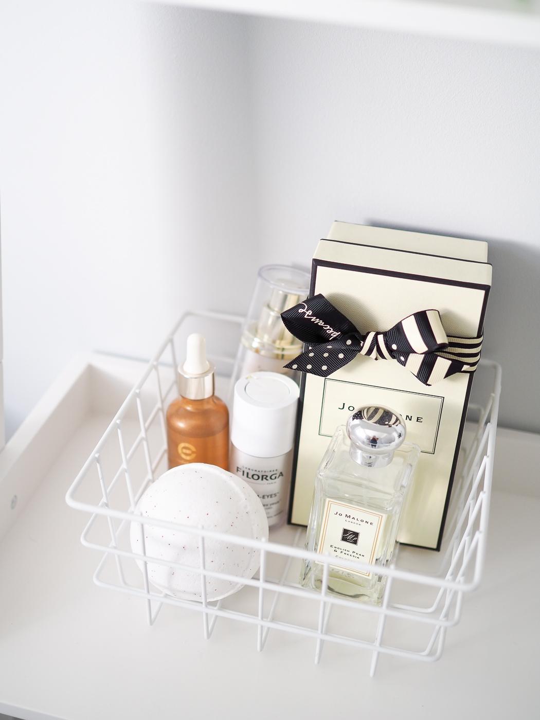 bathroom ladder shelf styling