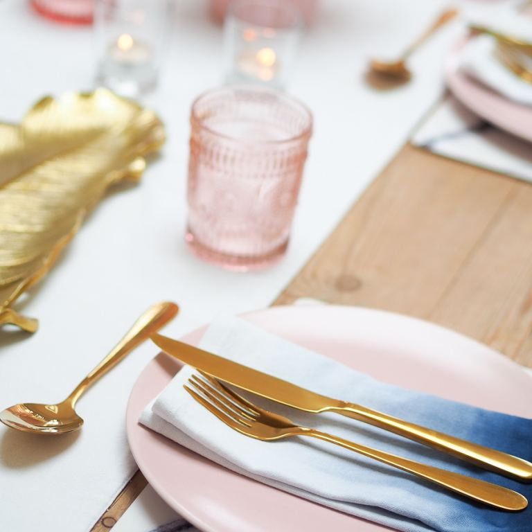 pink and gold table decor with ombre napkins