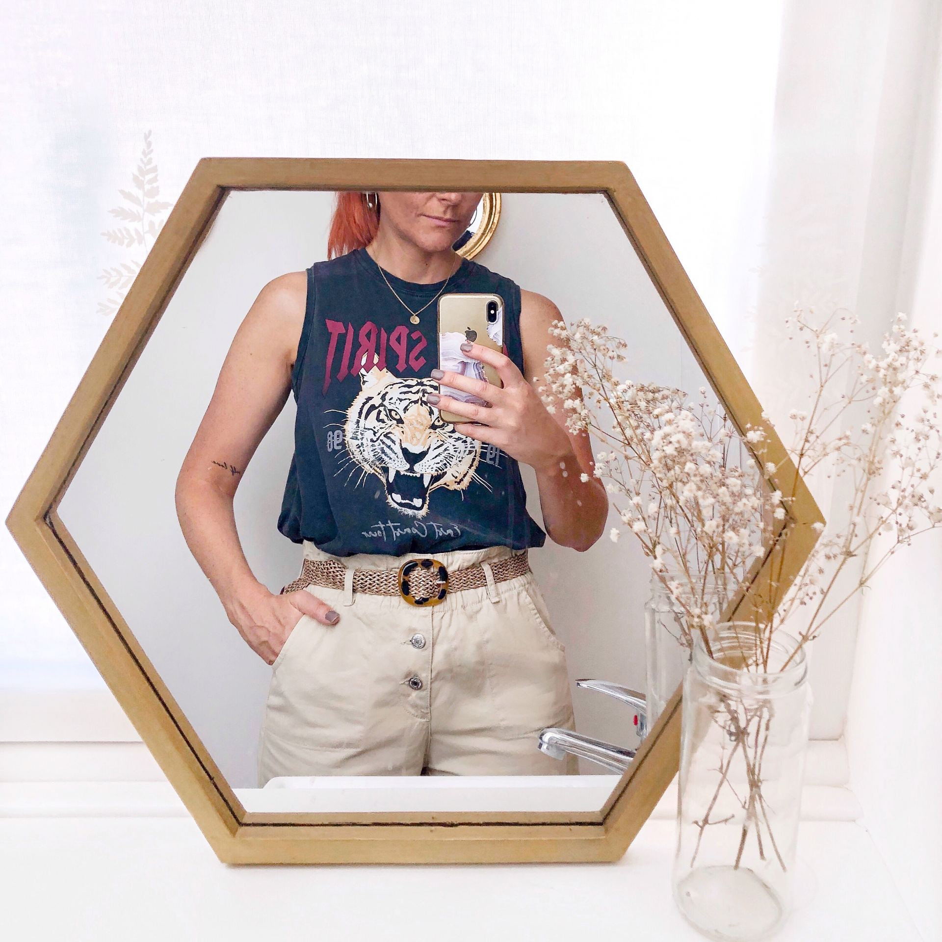 mirror selfie outfit rock tee