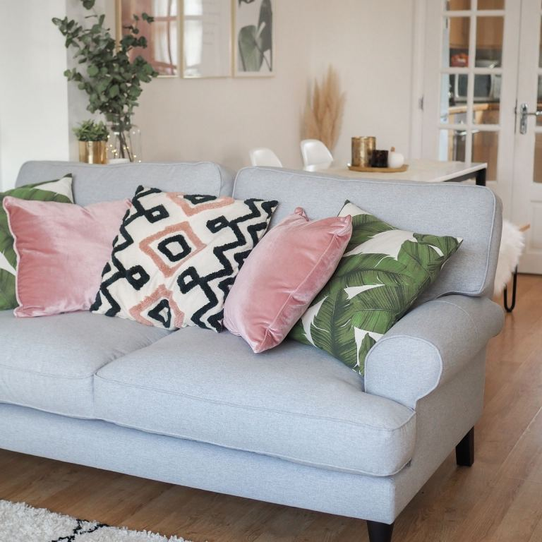 DFS SO SIMPLE SOFA RANGE (5)