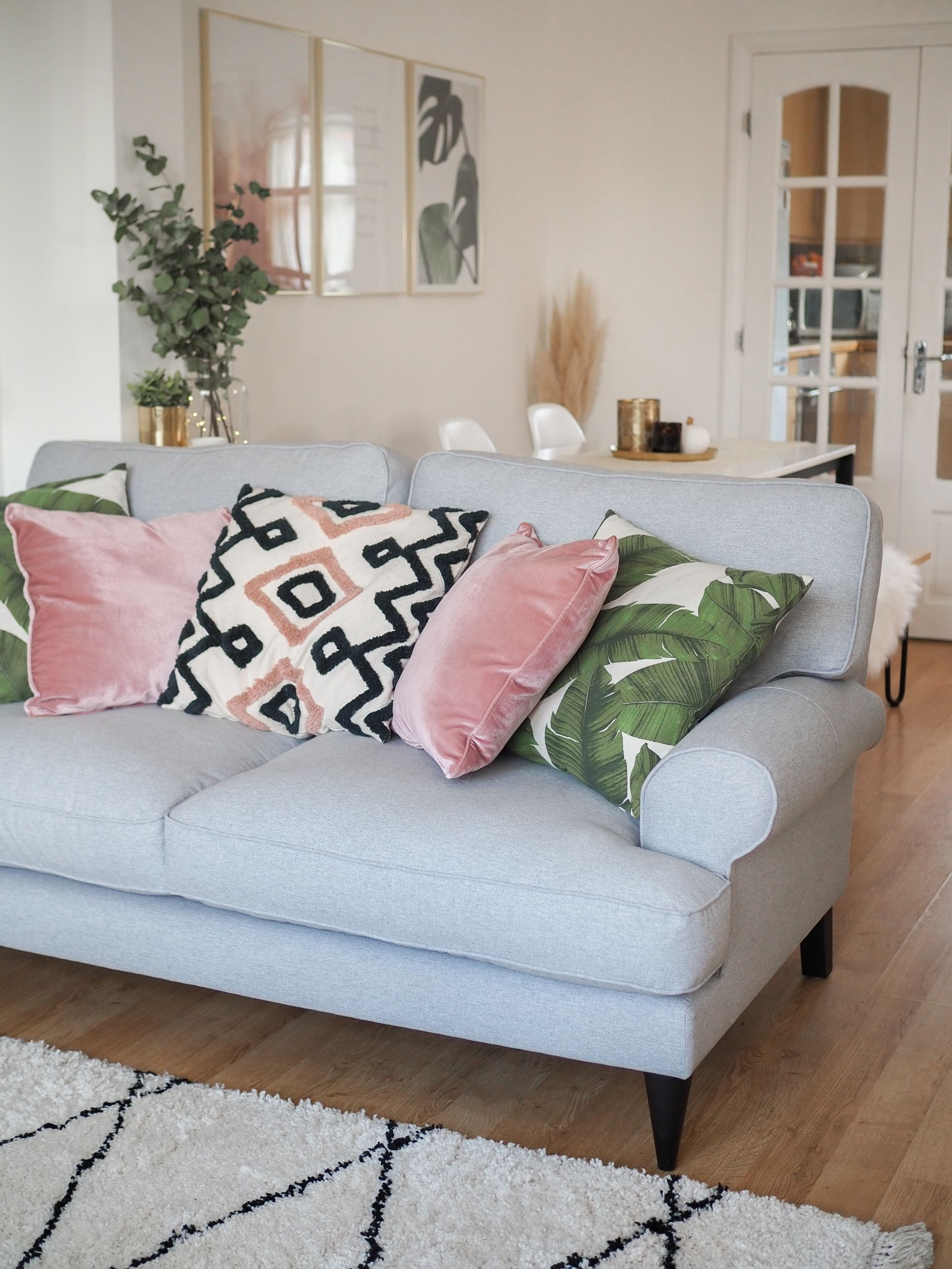 DFS SO SIMPLE SOFA RANGE